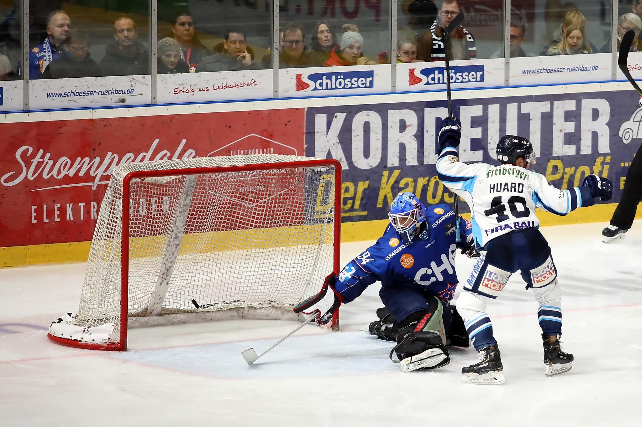 Eislöwen gewinnen nach 0:4-Rückstand